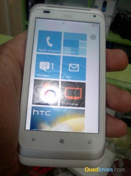 Живые фото HTC Omega: смартфон с Windows Phone Mango